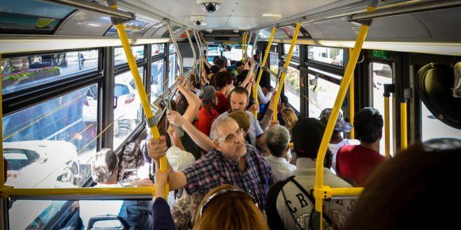 Ezért veszélyes a tömegközlekedés!