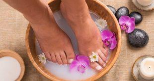 Hogyan készíts lábfürdőt otthon?
